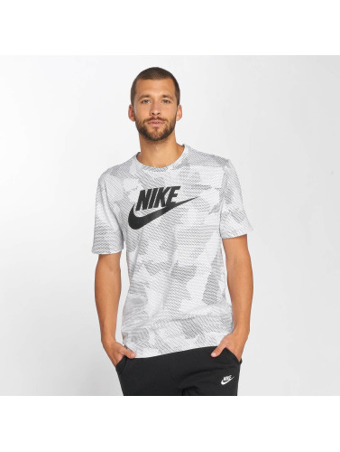 Nike Hombres Camiseta Sportswear Plus Print 2 in blanco