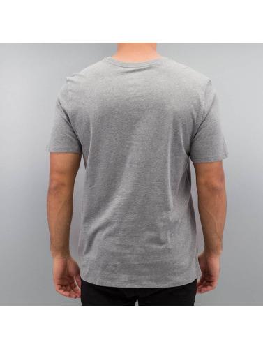 Nike Hombres Camiseta Futura Icon in gris