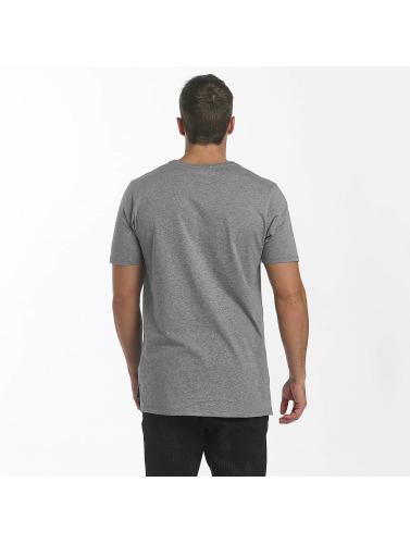 Nike Hombres Camiseta Sportswear in gris