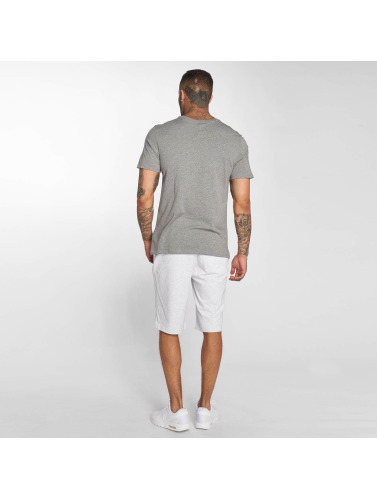 Nike Hombres Camiseta Sportswear Table Futura 2 in gris