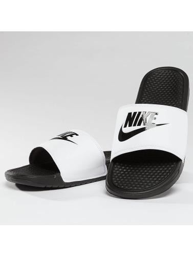 Nike Hombres Chanclas / Sandalias Benassi JDI in blanco