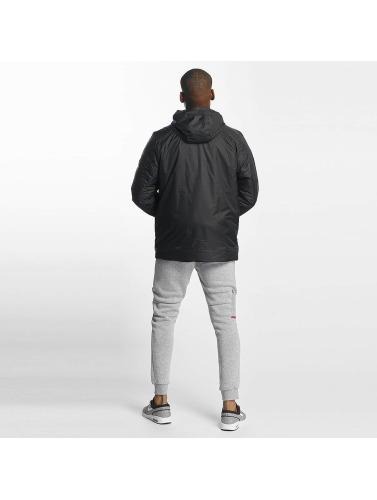 Nike Hombres Chaqueta de entretiempo Syn Fill Fleece in negro