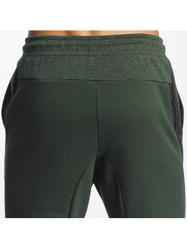 Nike Herren Jogginghose Sportswear Tech Fleece in grün