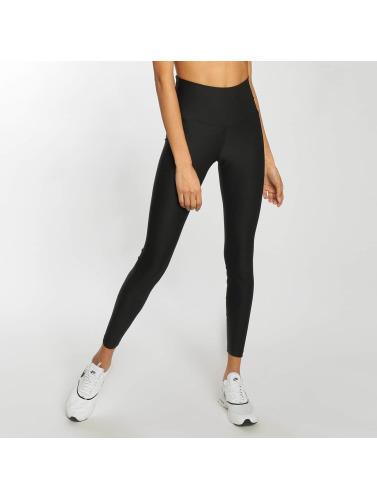 Nike Performance Mujeres Legging/Tregging Sculpt Victory in negro