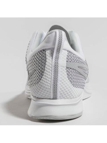 Nike Performance Hombres Zapatillas de deporte Zoom Strike in blanco