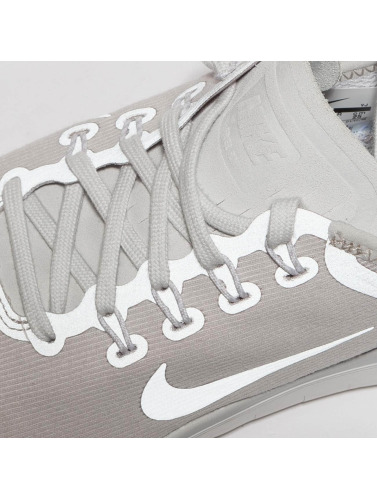 Nike Performance Mujeres Zapatillas de deporte Free RN 2018 in gris