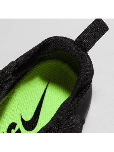 Nike Performance Mujeres Zapatillas de deporte Free RN Commuter 2017 in negro