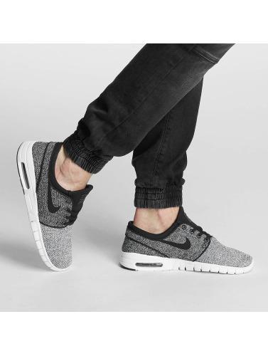 Nike SB Herren Sneaker Stefan Janoski Max in grau