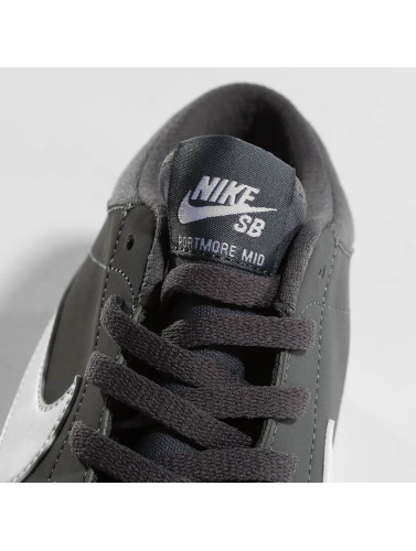 Nike SB Herren Sneaker SB Solarsoft Portmore ll Mid in grau
