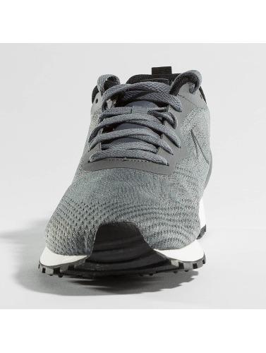 Nike Herren Sneaker MD Runner II ENG Mesh in grau
