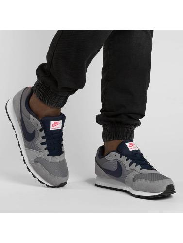 Nike Herren Sneaker MD Runner 2 in grau