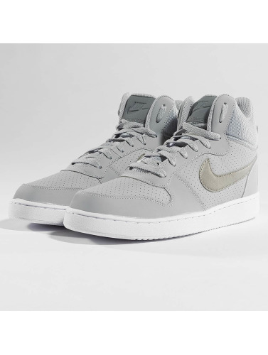 Nike Sneaker Court Borough Mid in grau