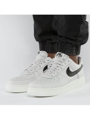 Nike Herren Sneaker Air Force 1 '07 in grau