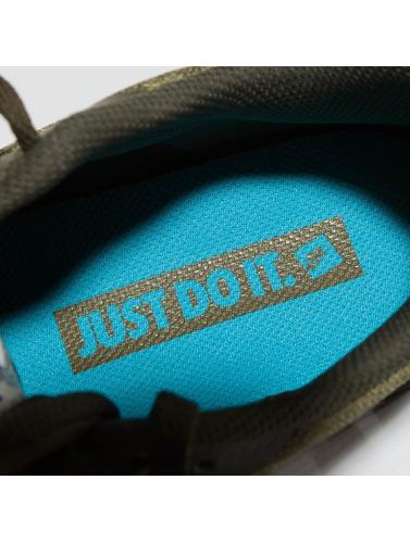 Nike Herren Sneaker MD Runner II ENG Mesh in khaki