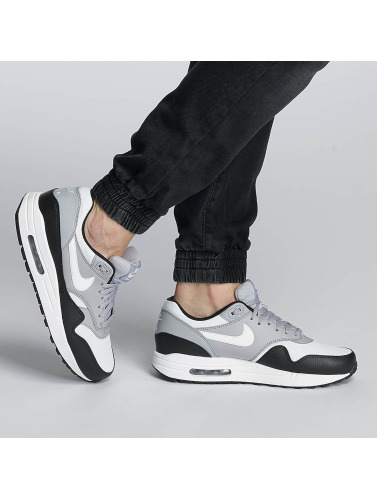Nike Air Max 1 Womens Sneaker In Black