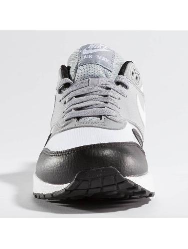 Nike Air Max 1 Womens Sneaker In Black