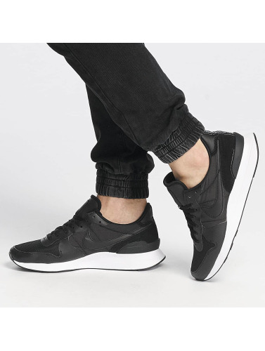 Nike Herren Sneaker Internationalist LT17 in schwarz