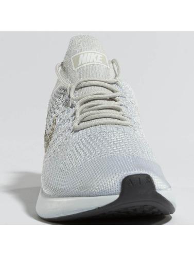 Nike Herren Sneaker Air Zoom Mariah Flyknit Racer in silberfarben