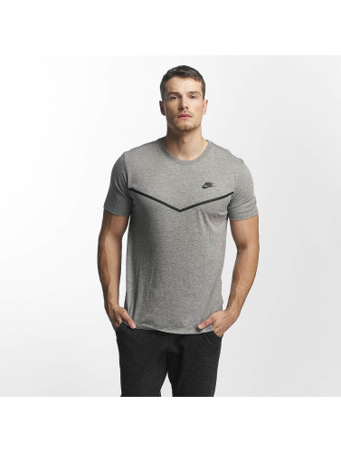 Nike Herren T-Shirt TB Tech in grau