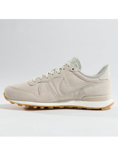 Nike Mujeres Zapatillas de deporte Internationalist SE in beis