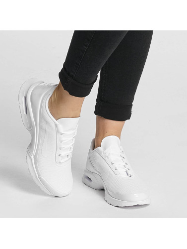 Nike Mujeres Zapatillas de deporte Air Max Jewell in blanco