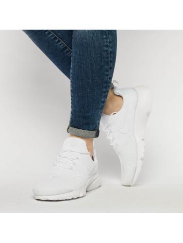 Nike Mujeres Zapatillas de deporte Presto Fly in blanco