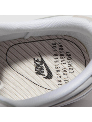 Nike Mujeres Zapatillas de deporte Blazer Low Le Basketball in blanco