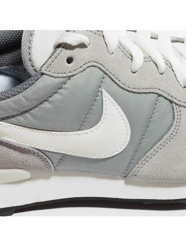 Nike Hombres Zapatillas de deporte Internationalist in gris