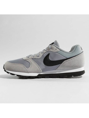 Nike Hombres Zapatillas de deporte MD Runner 2 in gris