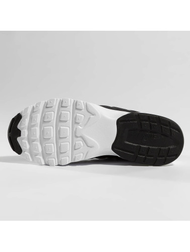 Nike Mujeres Zapatillas de deporte Air Max Invigor in negro