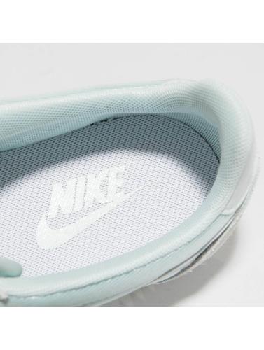 Nike Mujeres Zapatillas de deporte Classic Cortez 15 in verde