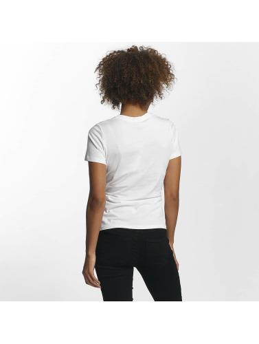 Støyende Kan Kvinner I Hvitt Nmphilippa klaring offisielle kjøpe billig view rabatter på nettet offisielle nettsted online SwdVJn59L