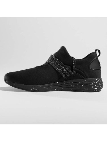Project Delray Sneaker <small>             Project Delray         </small>         <br />          Wavey in schwarz