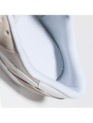 Reebok Mujeres Zapatillas de deporte Classic Nylon Neutrals in beis