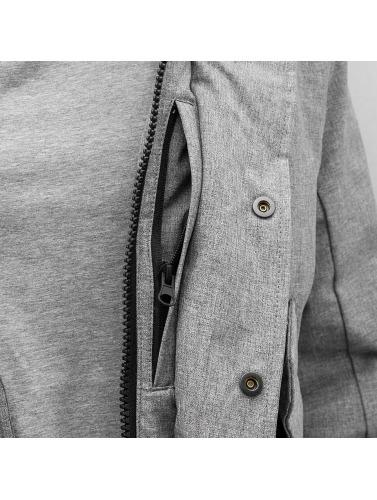 Reell Jeans Hombres Abrigo Mountain in gris