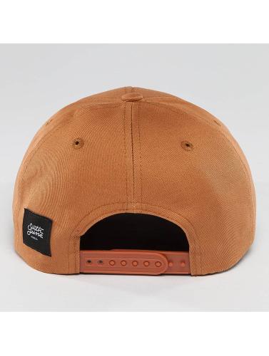 Sixth June Snapback Cap Curved Logo in braun