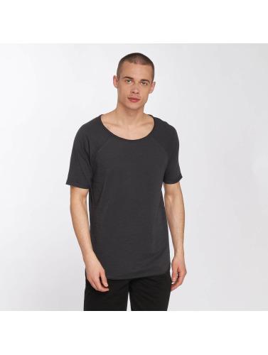 Sky Rebel Hombres Camiseta Jonny in gris