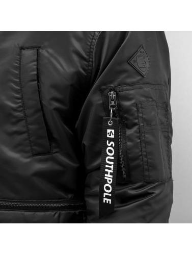 Southpole Hombres Chaqueta de invierno Bomber in negro