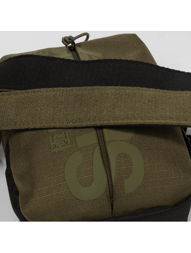 Superdry Tasche Invisible Pouch in khaki