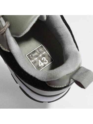 Thug Life Herren Sneaker Strong in schwarz