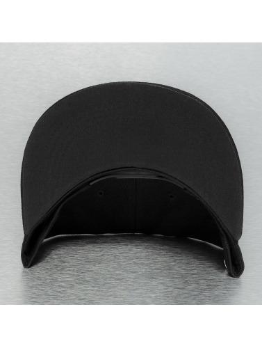 TrueSpin Snapback Cap Läuft in schwarz