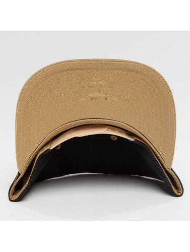 TrueSpin Snapback Cap 4 Letters in schwarz
