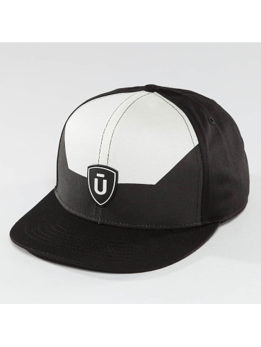 Unkut Snapback Cap Break in schwarz