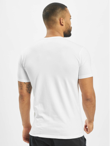 Urban Classics Hombres Camiseta Fitted Stretch in blanco