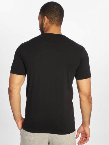 Urban Classics Hombres Camiseta Fitted Stretch in negro