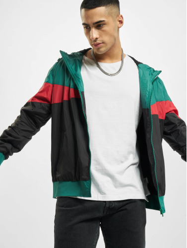 Urban Classics Hombres Chaqueta de entretiempo Advanced Arrow in negro