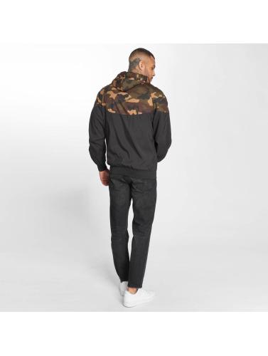Urban Classics Hombres Chaqueta de entretiempo Pattern Arrow Windrunner in negro