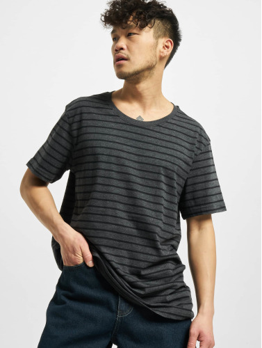Urban Classics Herren T-Shirt Striped in grau