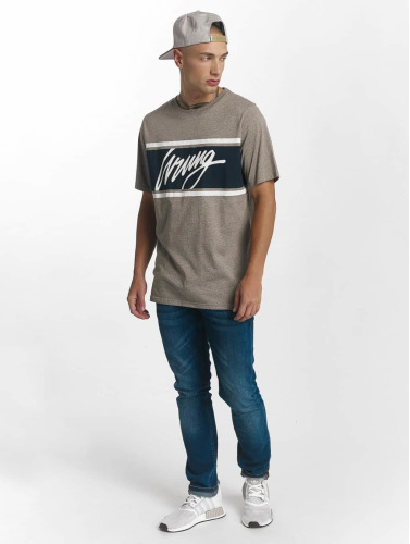 Wrung Division Hombres Camiseta Show in gris