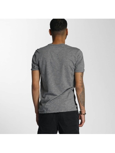 Wrung Division Hombres Camiseta Russell in negro
